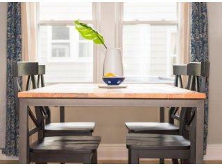 Какое дерево лучше выбрать при покупке стола